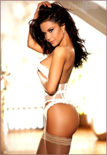 Costa Rican Female Escort Jetta Image 1