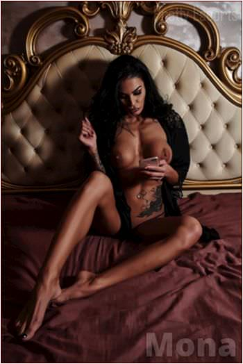 Swiss Female Escort Mona Image 3