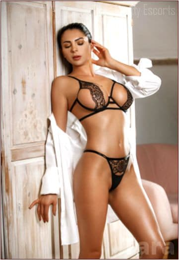 English Female Escort Tara Image 2